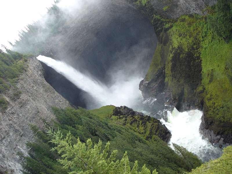 مجموعه 4 تصاویر زیبا از آبشار های طبیعی
