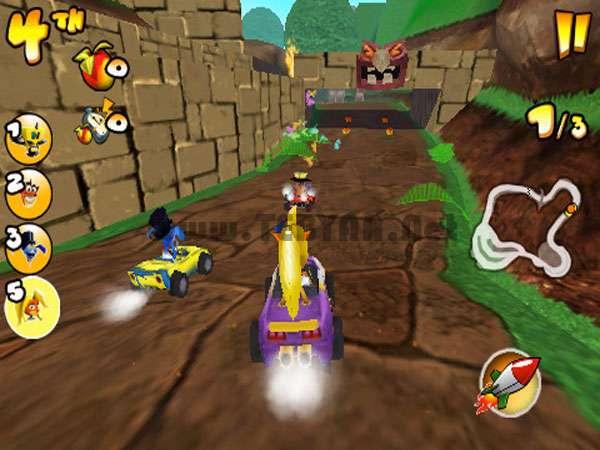 بازی مهیج کراش ماشینی نسخه سیمبیان 3، Crash Bandicoot Kart 3D v0.9.0