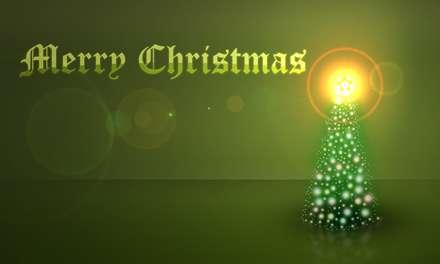 درخت کریسمس با گوی های نورانی