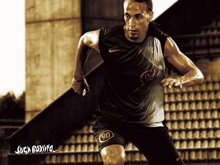 فوتبالیست هنگام تمرین