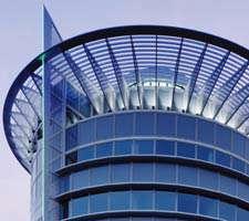 مجموعه 20 عکس با کیفیت سازه های مدرن با نمای شیشه