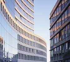 مجموعه 20 عکس از نماهای شیشه ای ساختمان های بزرگ