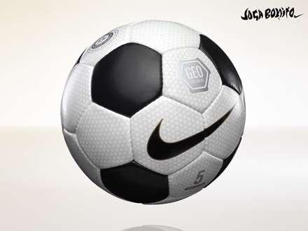 توپ فوتبال سیاه و سفید نایکی