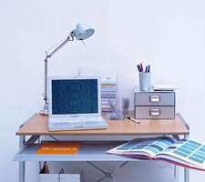 مجموعه 10 عکس از چیدمان میز کامپیوتر