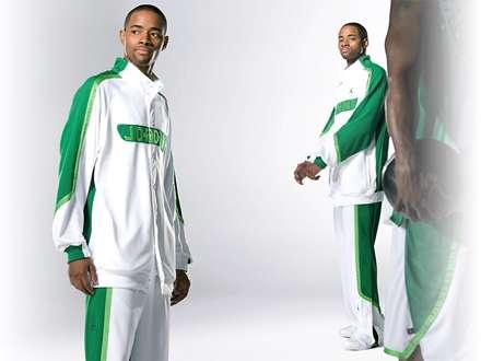 پیراهن ورزشی سفید و سبز