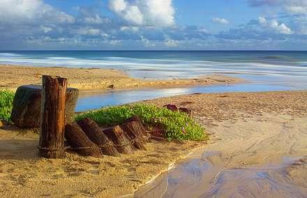 اسکله تخریب شده دریا