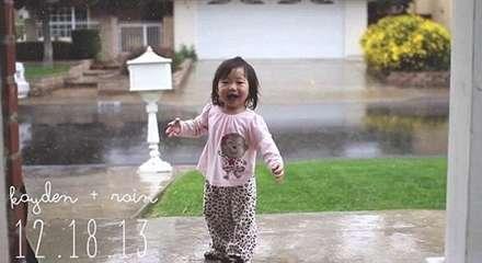 وقتی یک دختر خردسال برای اولین بار باران می بیند...!