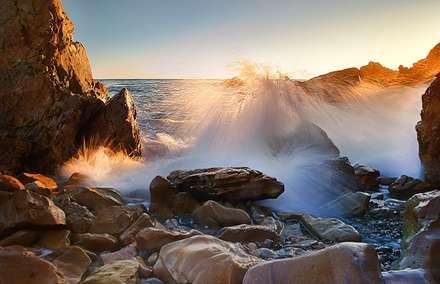 موج و صخره و دریا