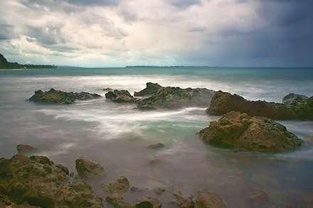 صخره های درون دریا