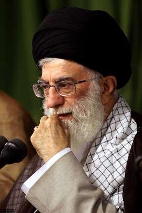 راه او باشد ره پیر خمین (ره)/رهرو راه شهیدان من است