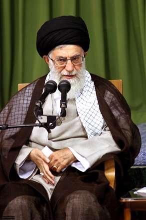 رهبر حسینی ما، جلوه ی پیر خمینه/همیشه مثل خمینی، زیر پرچم حسینه