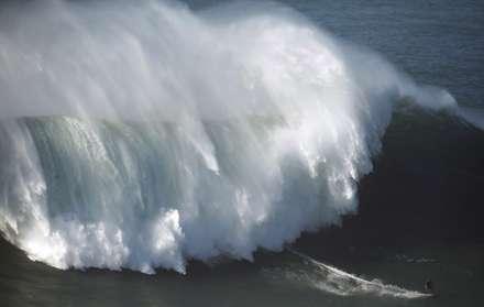 موج سوار حرفه ای
