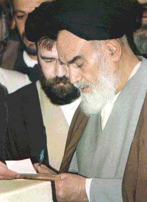 آزادی و استقلال از ثمرات انقلاب اسلامی