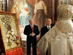 Путин передал в дар Алексию Второму Владимирскую икону Божией Матери