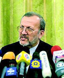 Mutteki, Ahmedinejad'ın mesajını Chavez'e iletti