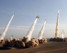 İran Devrim Muhafızları, körfezde askeri tatbikatlara başladı