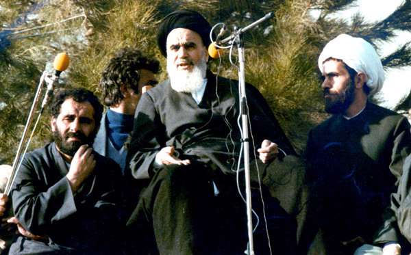 انقلاب اسلامي كجا؟ جنبش هاي پيشين كجا؟(1)
