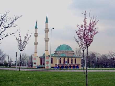 مسجد مولانا (Mawlana ) در روتردام (هلند)