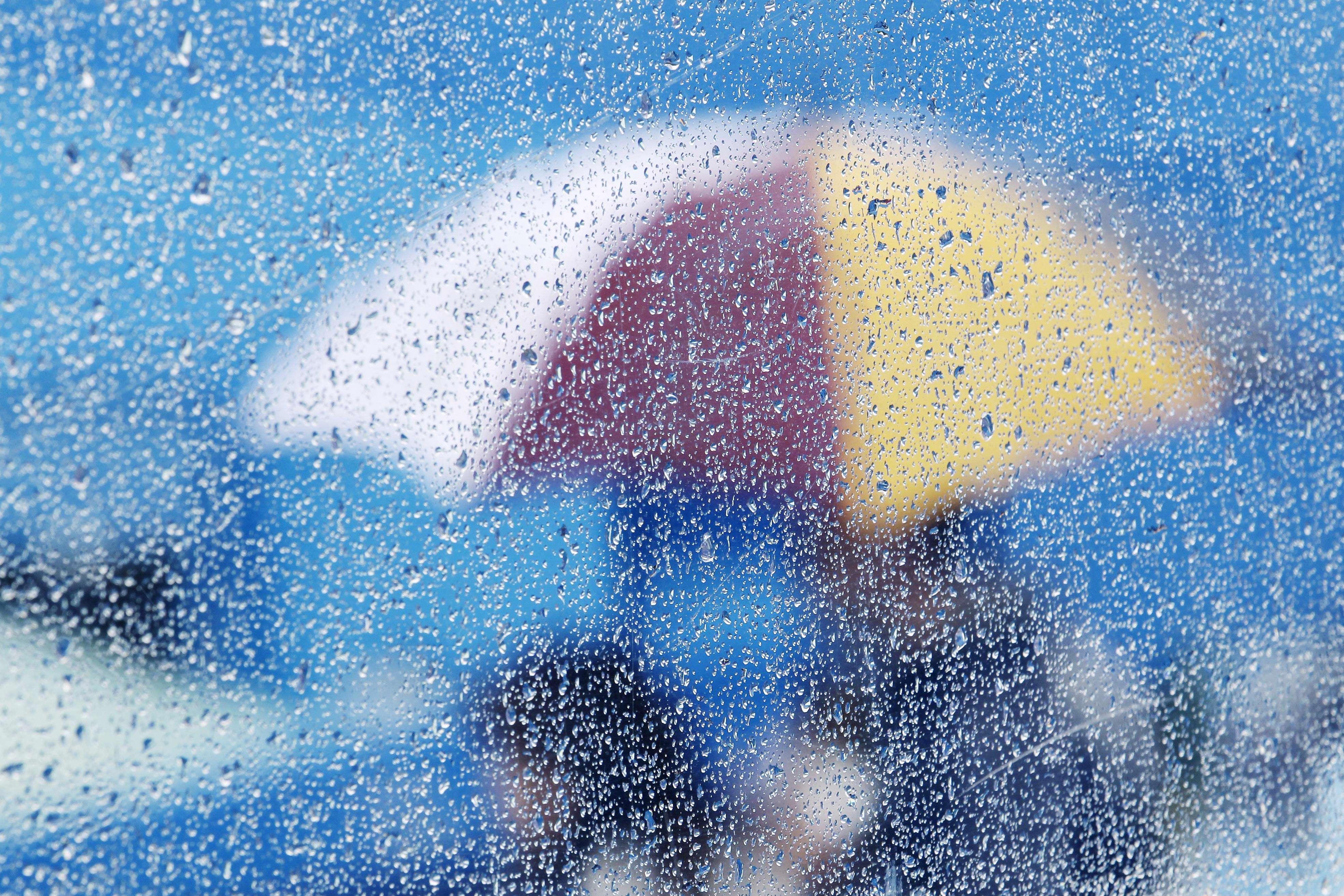 عکس+شیشه+باران+خورده