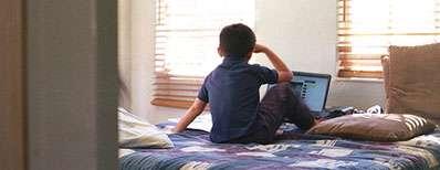 در دنیای مجازی، همراه فرزندانتان باشید