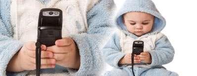 به این 3 دلیل موبایل را به بچه تان ندهید