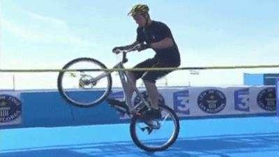 رکورد پرش از مانع با دوچرخه