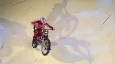 رکورد تک چرخ زدن با موتور