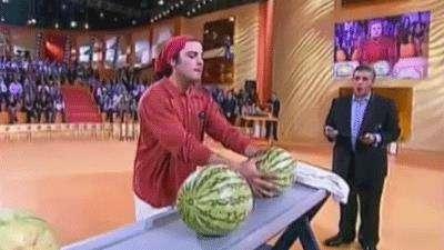 رکورد شکستن هندوانه با سر