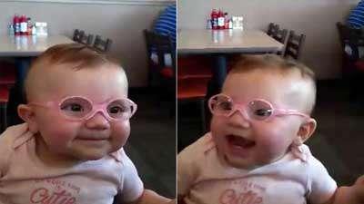 عکس العمل زیبای کودک پس از واضح دیدن والدینش برای اولین بار