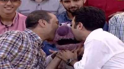 بوس بوس شدن جناب خان