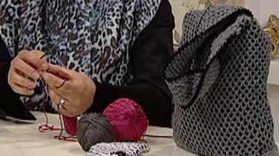 کاموا بافی سفید برفی Sewing Granny Squares Together