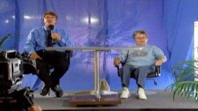 دوربین مخفی / کوتاه شدن صندلی در برنامه زنده