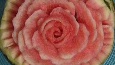 حکاکی روی هندوانه (2)