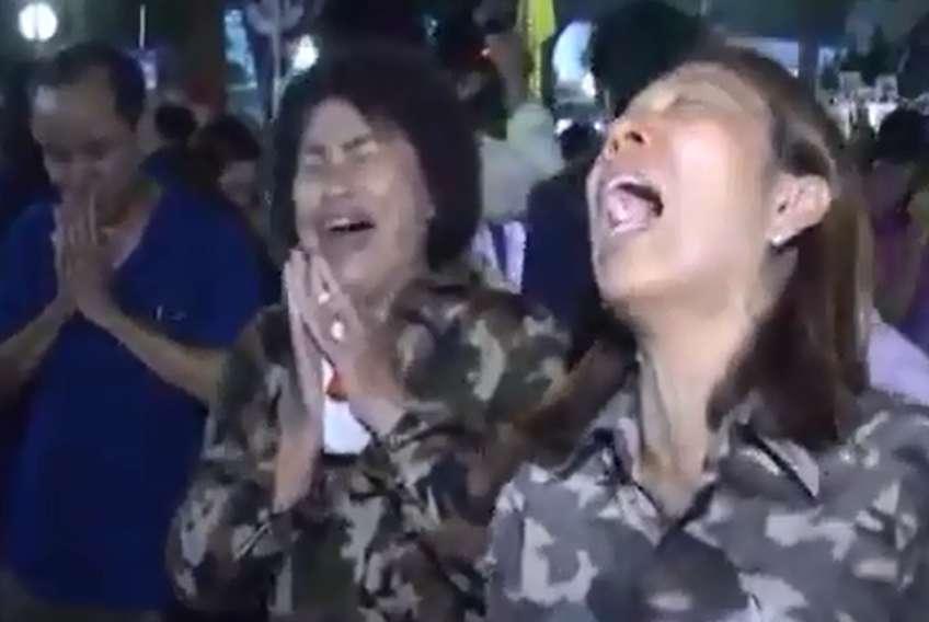 اشک و آه تایلندیها در عزای پادشاه فقید این کشور