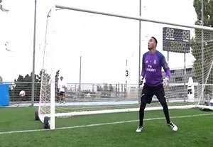 تمرینات دروازه بانان رئال مادرید (95/08/01)