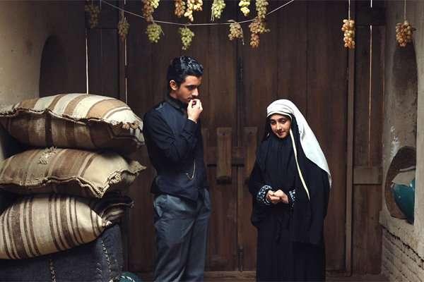 تیتراژ پایانی فیلم «یتیم خانه ایران» با صدای «پرواز همای»