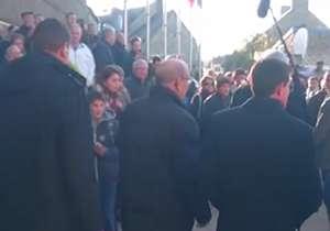 سیلی خوردن نخست وزیر سابق فرانسه از جوانی 18 ساله!
