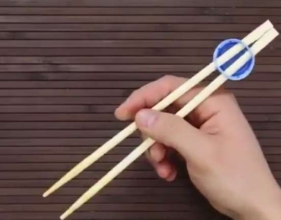 چوب غذاخوری چینی ها را درست کنید