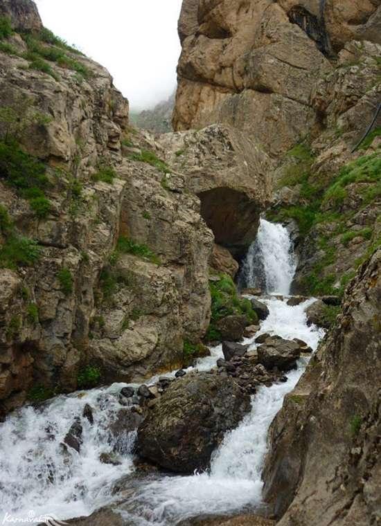 4 آبشار خروشان شمالی