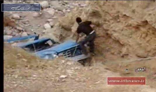 نجات معجزه آسا از سقوط به دره 300 متری