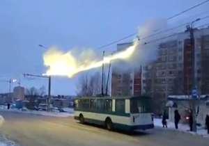 آتش گرفتن کابل اتوبوس برقی