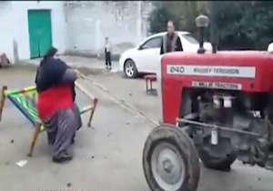 زورآزمایی مرد پاکستانی با تراکتور
