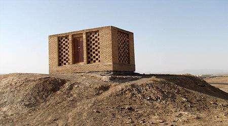 آرامگاه «امیر اویس» در اردستان