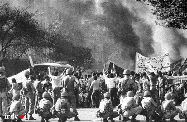 رویارویی مردم با باقیمانده نظام شاهنشاهی در دی و بهمن 1357