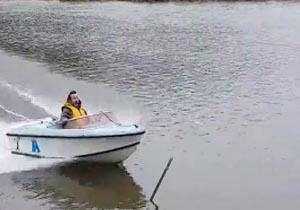 تصادف دردناک قایق تندرو