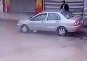 زیر گرفتن عمدی دو دانش آموز دختر حین عبور از خیابان