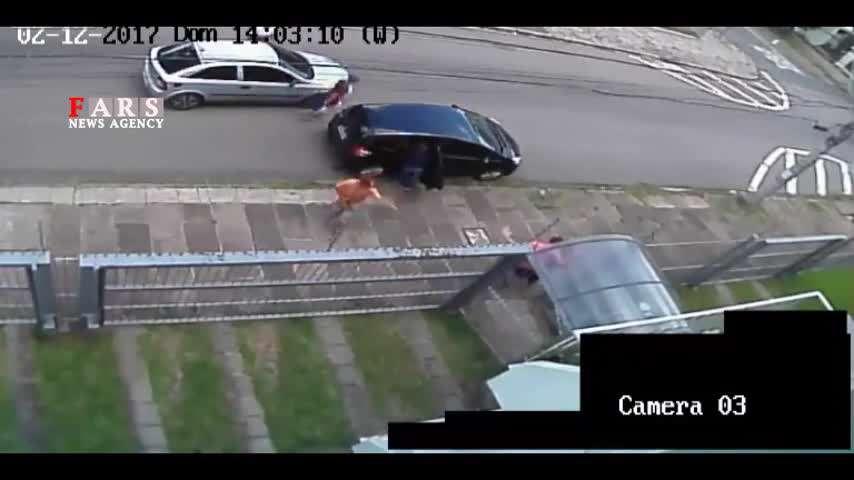 فیلم/ سرقت ماشین در روز روشن!