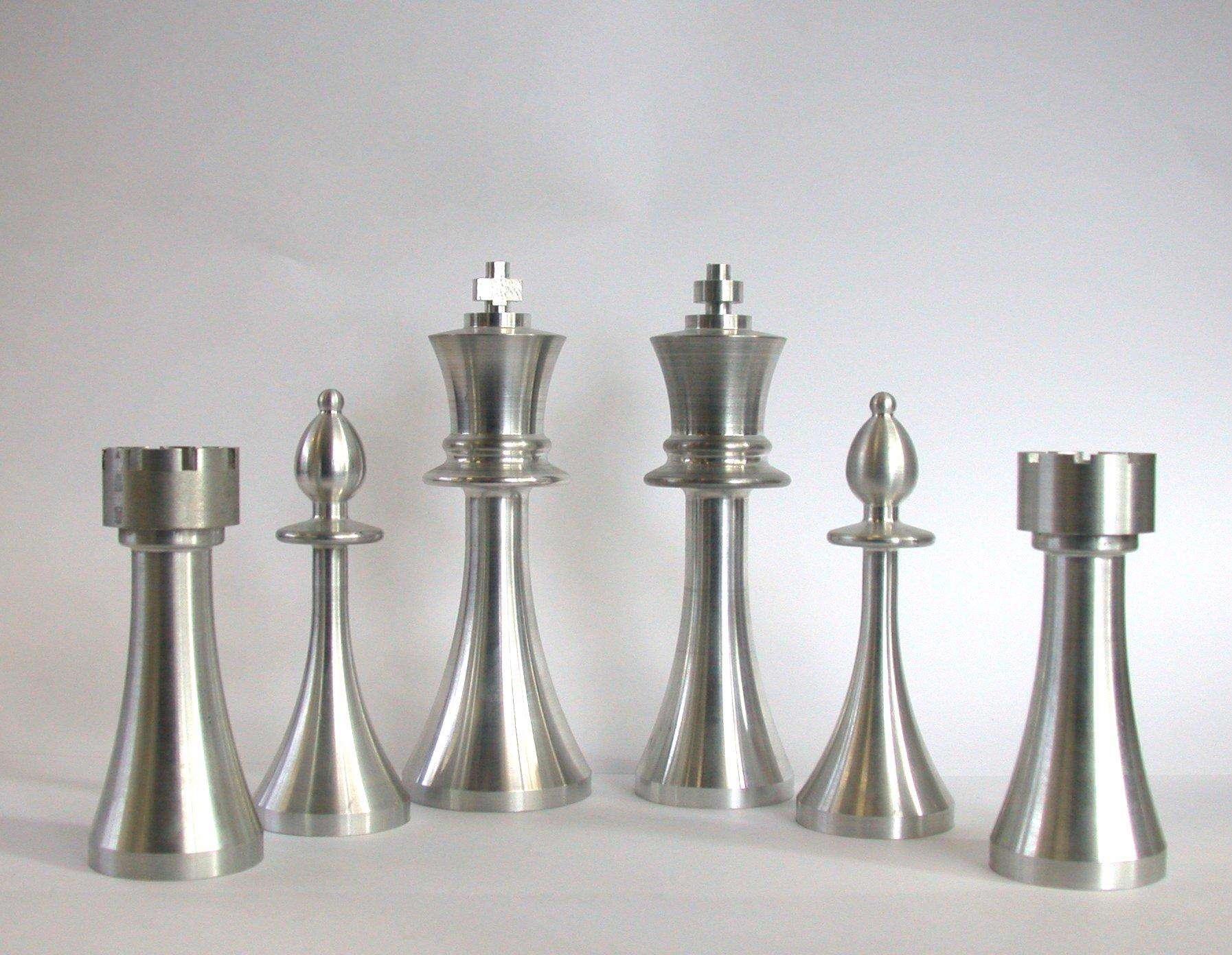 ساخت مهره شطرنج با هنرِ تراش!