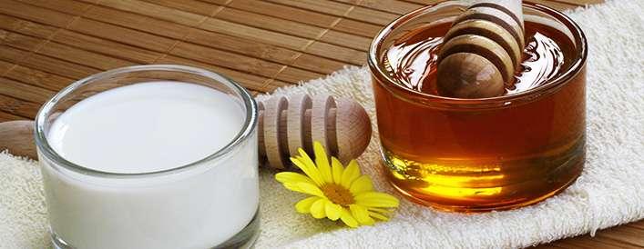 7 دلیل خوب برای خوردن شیر و عسل