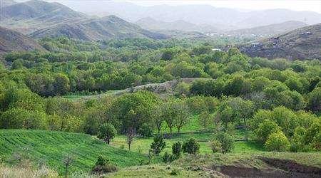 در کشاکش دره قاهان قم